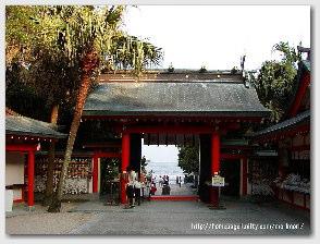 青島神社−御本殿付近より海を臨む01