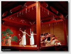 神話創作ダンス(宮崎大学教育文化学部表現創作ダンス研究グループ)01
