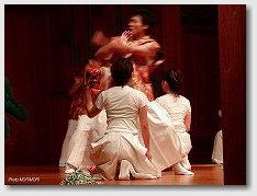 神話創作ダンス(宮崎大学教育文化学部表現創作ダンス研究グループ)02