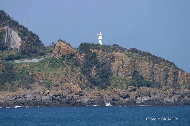 鵜戸岬の石灯篭型灯台 01