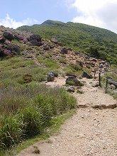 韓国岳登山(硫黄山横の登山道)