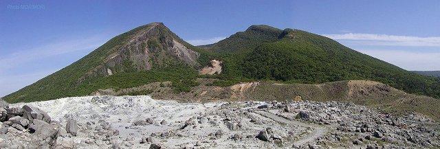 硫黄山より見た韓国岳