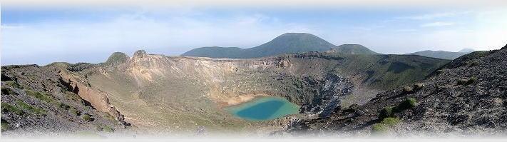 新燃岳より見た韓国岳